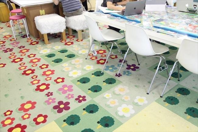 カラフルな床