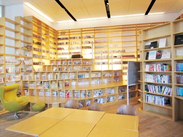 図書館兼集中ルーム「OASIS」